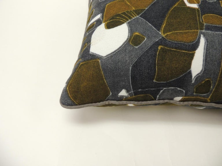 Hand-Crafted Pair of Vintage Printed Blue and Grey Square Decorative Pillows For Sale