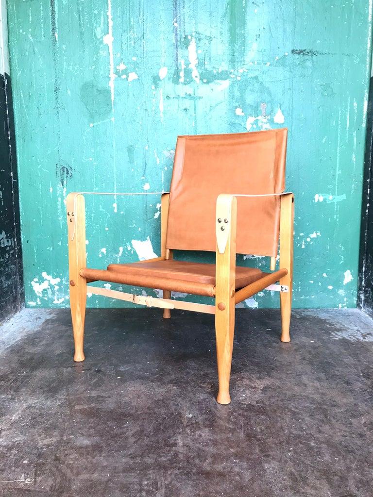 Pair of Vintage Refurbished Kaare Klint Safari Lounge Chairs For Sale 2