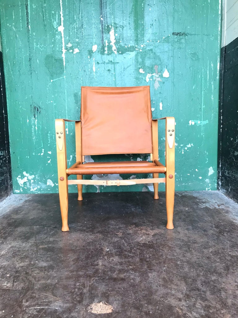 Pair of Vintage Refurbished Kaare Klint Safari Lounge Chairs For Sale 3