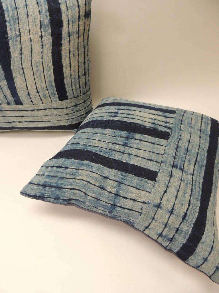 Hand-Crafted Pair of Vintage Shibori Stripes Blue Asian Decorative Pillows For Sale