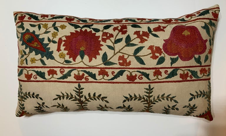 20th Century Pair of Vintage Suzani Pillows For Sale