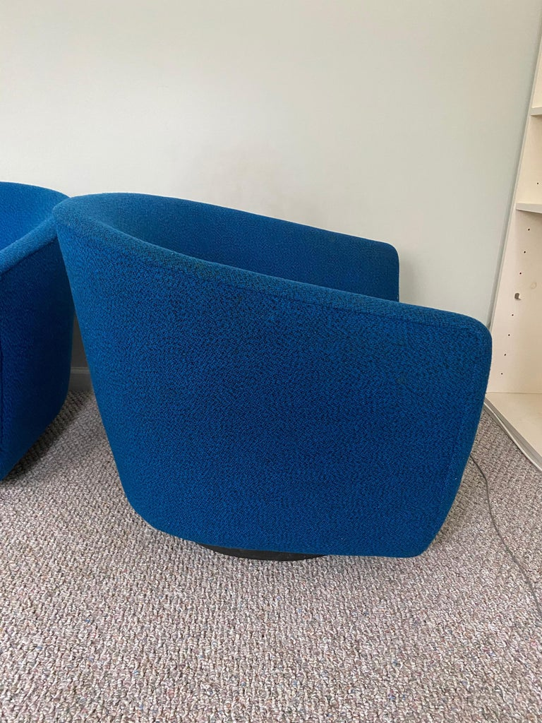 American Pair of Vintage Swivel Lounge Chairs For Sale