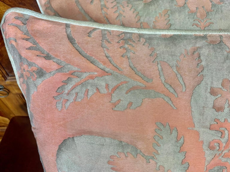 Italian Pair of Vintage Textile Fortuny Pillows For Sale