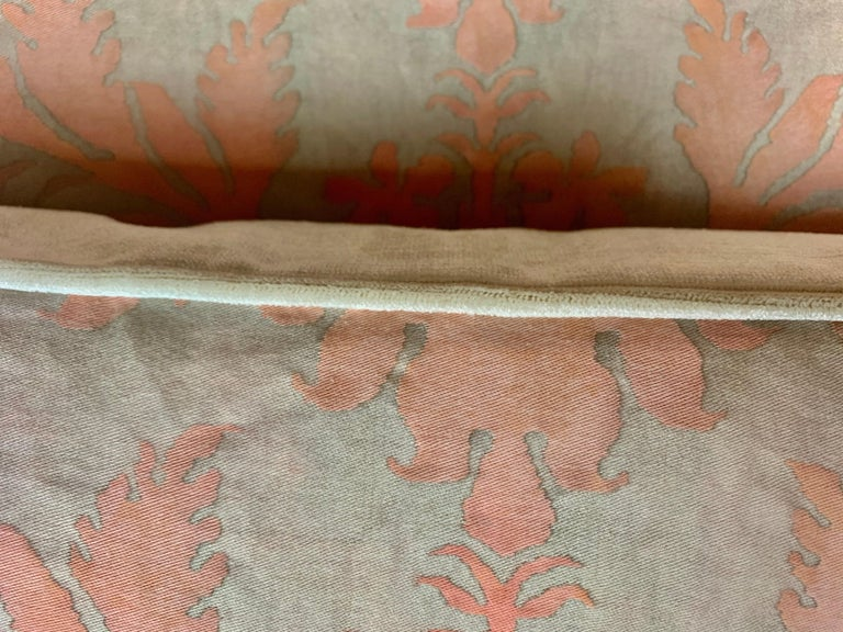 Pair of Vintage Textile Fortuny Pillows In Good Condition For Sale In Los Angeles, CA