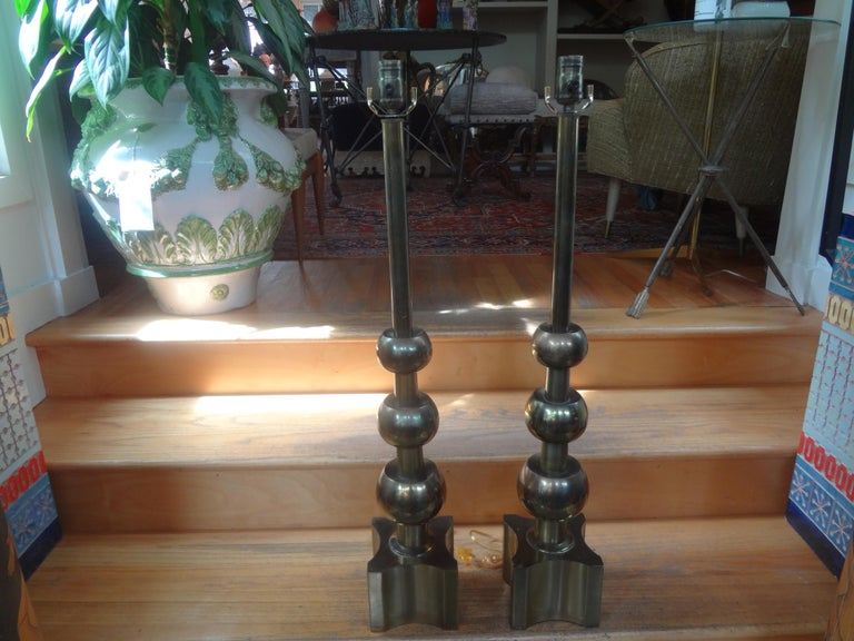 Pair of Vintage Tommi Parzinger for Stiffel Modernist Brass Lamps For Sale 6