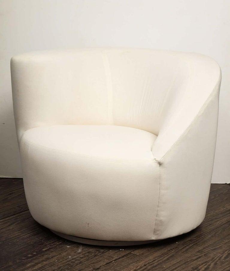 Pair of Vintage Vladimir Kagan Nautilus Swivel Chairs, Travis For Sale 4