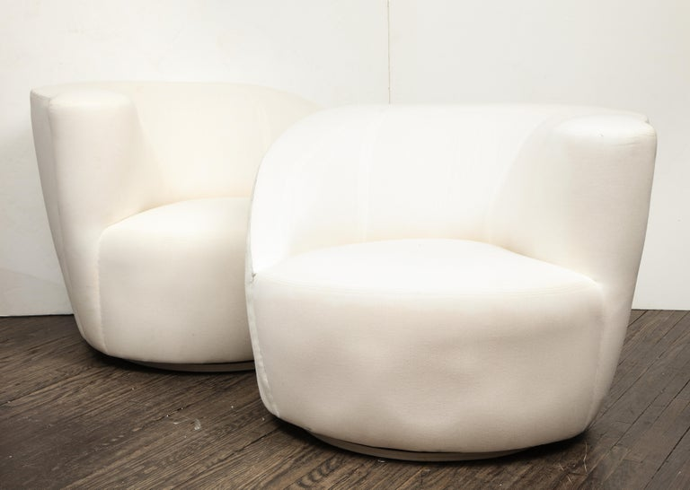 Mid-Century Modern Pair of Vintage Vladimir Kagan Nautilus Swivel Chairs in Muslin