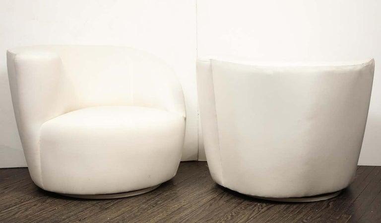 Mid-Century Modern Pair of Vintage Vladimir Kagan Nautilus Swivel Chairs, Travis For Sale