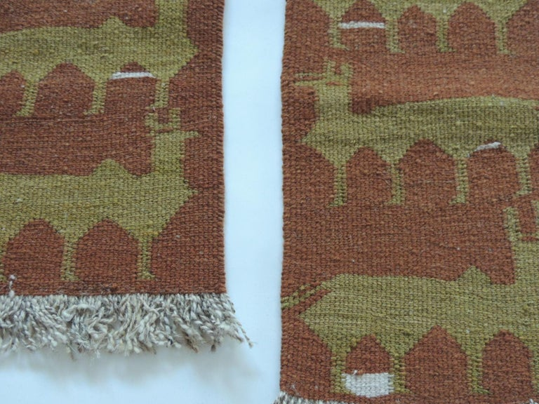 Vintage camel and green woven rug samples. Woven abstract pattern and fringes. Ideal to frame or make them in to pillows. Size: 10.5