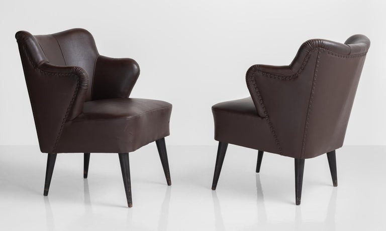 Mid-Century Modern Pair of Vinyl Armchairs by G. Pulitzer Finali, Italy, circa 1940 For Sale