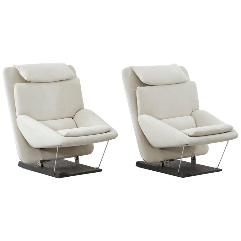 Pair of Vittorio Introini Lounge Chairs for Saporiti, Italy, circa 1970 For Sale