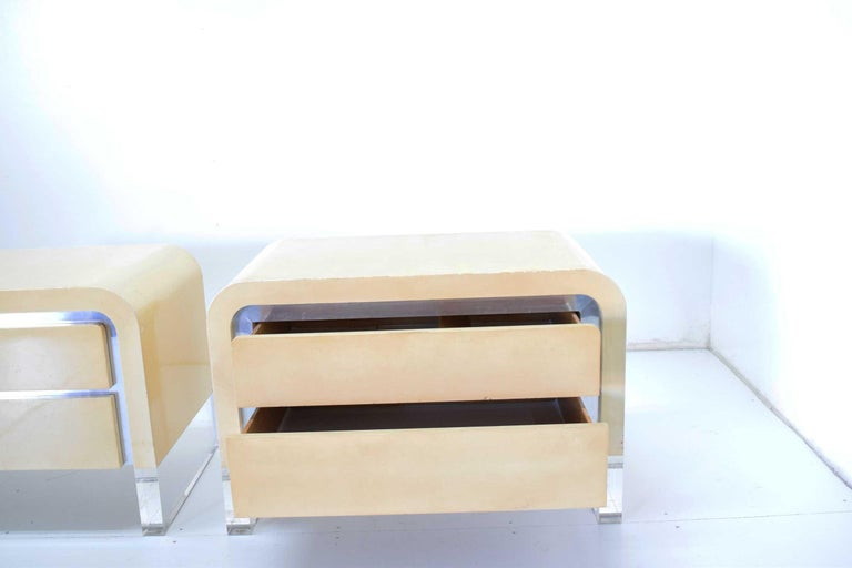 Pair of Vladimir Kagan Chests of Drawers or Nightstands In Good Condition For Sale In Dallas, TX