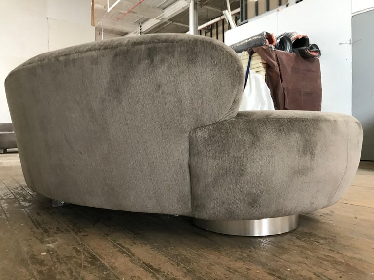 Pair of Vladimir Kagan Cloud Sofas by Directional In Distressed Condition For Sale In St.Petersburg, FL