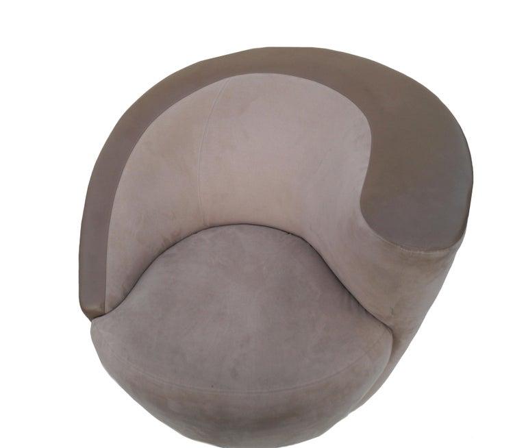 Pair of Vladimir Kagan Corkscrew Nautilus Swivel Chairs for Directional For Sale 1