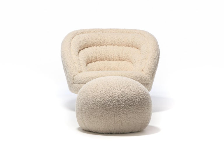 Pair of Vladimir Kagan Crescent Swivel Chairs in Ivory Bouclé with Brass Bases For Sale 11