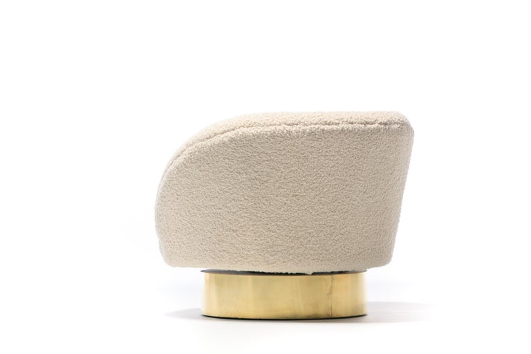 Pair of Vladimir Kagan Crescent Swivel Chairs in Ivory Bouclé with Brass Bases For Sale 3