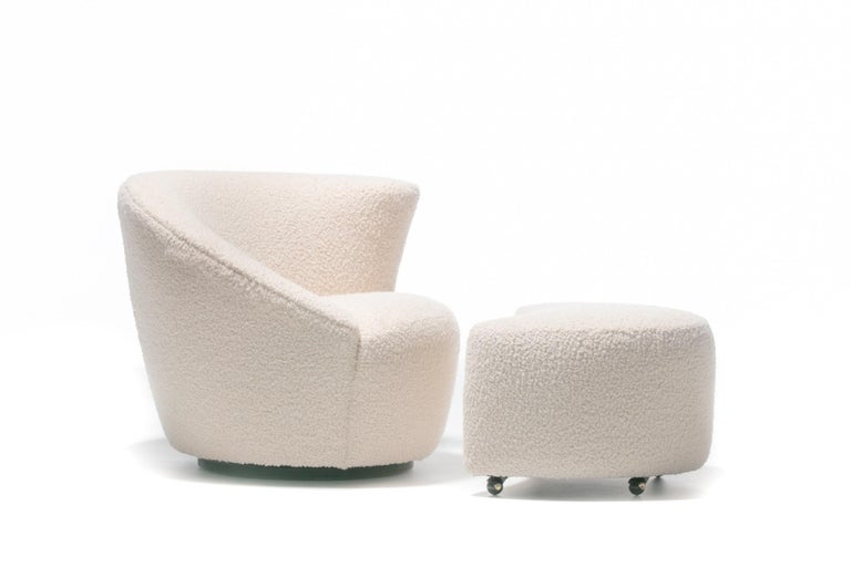 Pair of Vladimir Kagan Nautilus Swivel Lounge Chairs and Ottoman in Ivory Bouclé For Sale 5