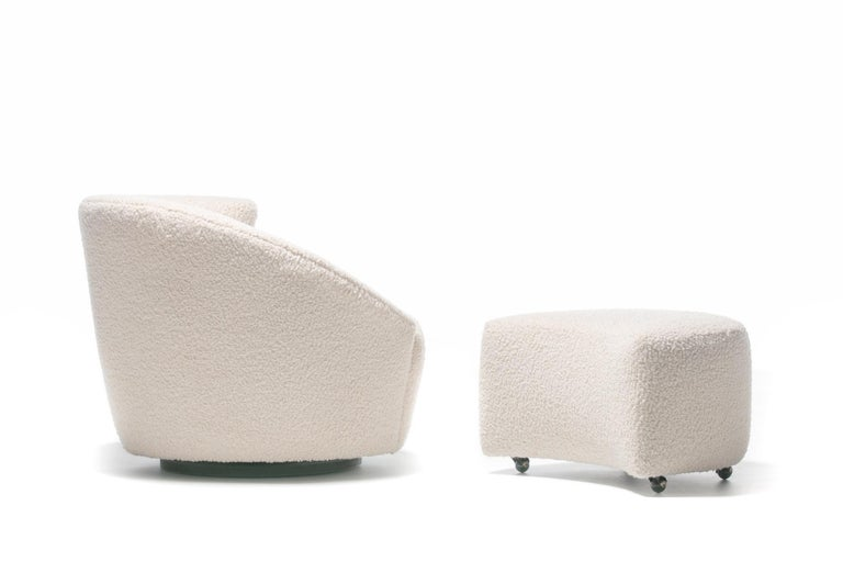Pair of Vladimir Kagan Nautilus Swivel Lounge Chairs and Ottoman in Ivory Bouclé For Sale 7