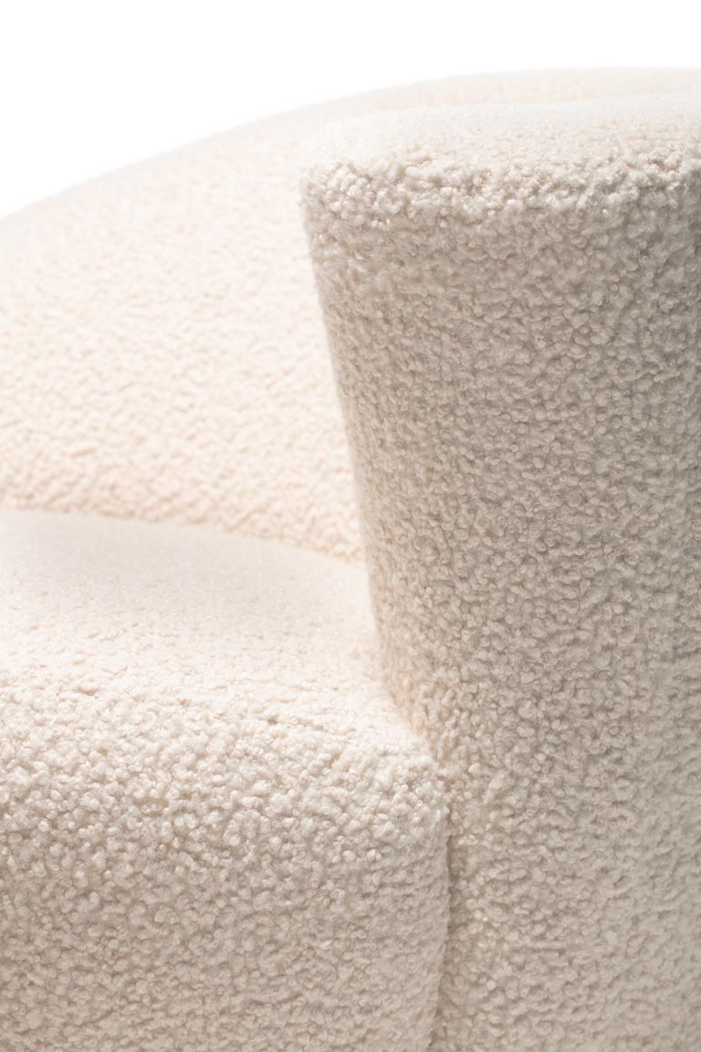 Pair of Vladimir Kagan Nautilus Swivel Lounge Chairs and Ottoman in Ivory Bouclé For Sale 11