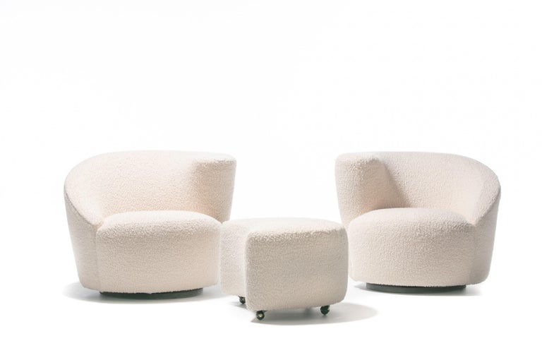 American Pair of Vladimir Kagan Nautilus Swivel Lounge Chairs and Ottoman in Ivory Bouclé For Sale