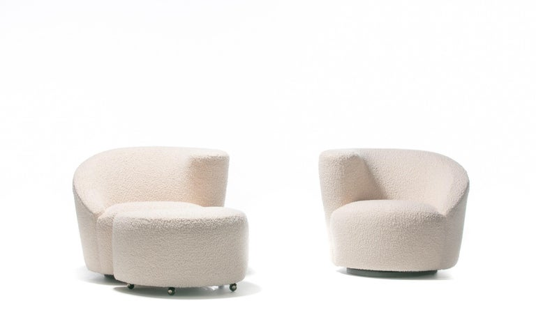 Pair of Vladimir Kagan Nautilus Swivel Lounge Chairs and Ottoman in Ivory Bouclé For Sale 3