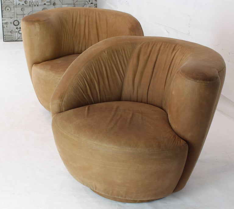 Pair of Vladimir Kagan Nautilus Tan Leather Swivel Lounge Chairs For Sale 1