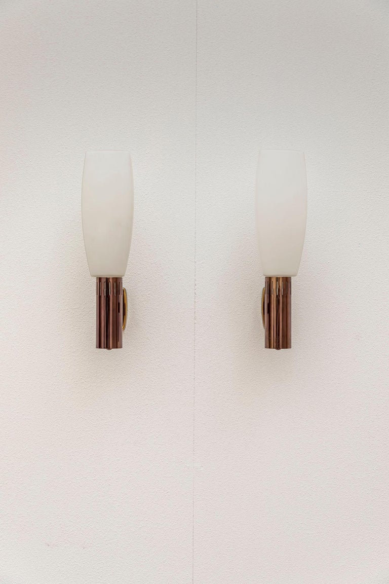 Pair of Wall Lamp by Stilnovo For Sale 1