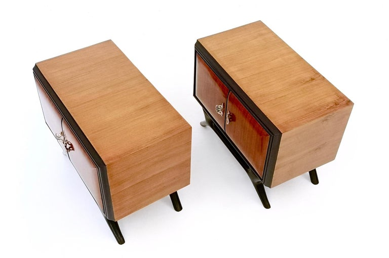 Pair of Walnut and Ebonized Wood Nightstands with Painted Handles, Italy, 1950s For Sale 1