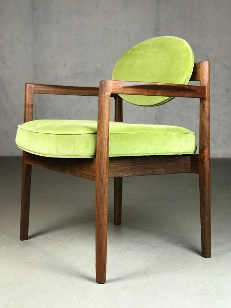 Pair of Walnut Armchairs Designed by Jens Risom, circa 1960s For Sale 3