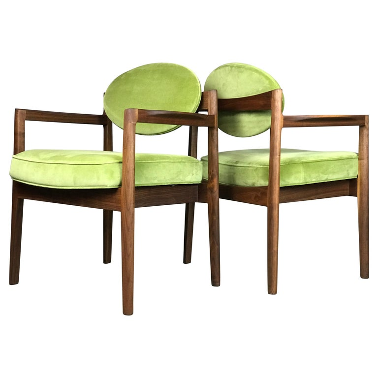 Pair of Walnut Armchairs Designed by Jens Risom, circa 1960s For Sale