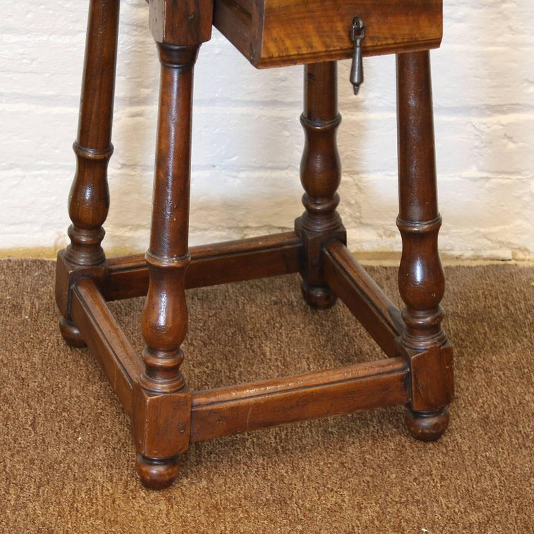 Pair of Walnut Bedside Tables - PBT3 In Good Condition For Sale In Wrexham, GB