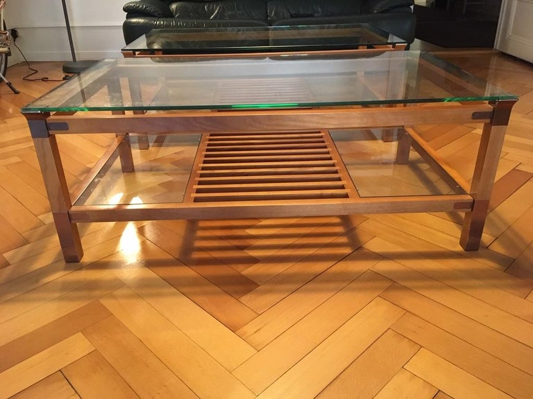 Pair of Walnut, Brass and Glass Coffee Tables by Pierre Vandel, Paris, 1980s In Good Condition For Sale In Geneva, CH