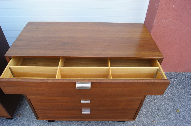 Pair of Walnut Dressers, Model 4620, by George Nelson for Herman Miller In Good Condition For Sale In Boston, MA