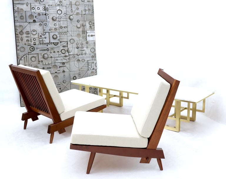 Mid-Century Modern Pair of Walnut Lounge Chairs by George Nakashima For Sale