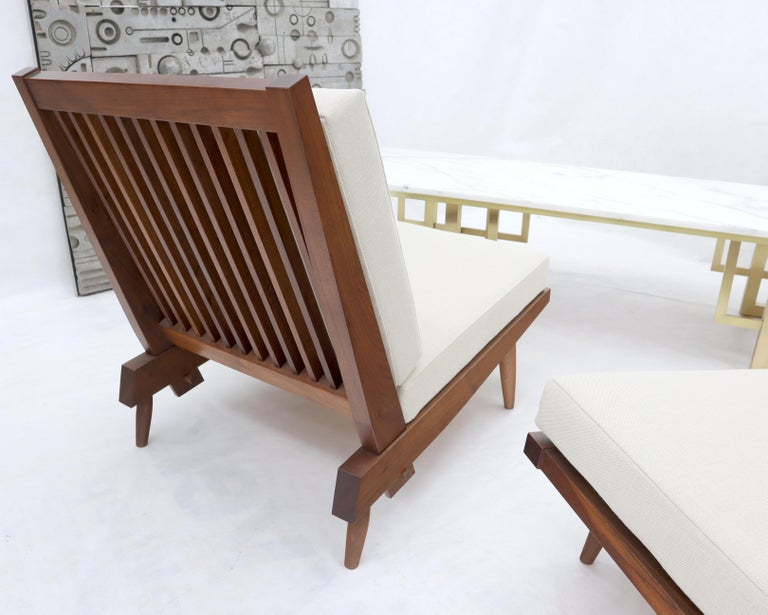 20th Century Pair of Walnut Lounge Chairs by George Nakashima For Sale