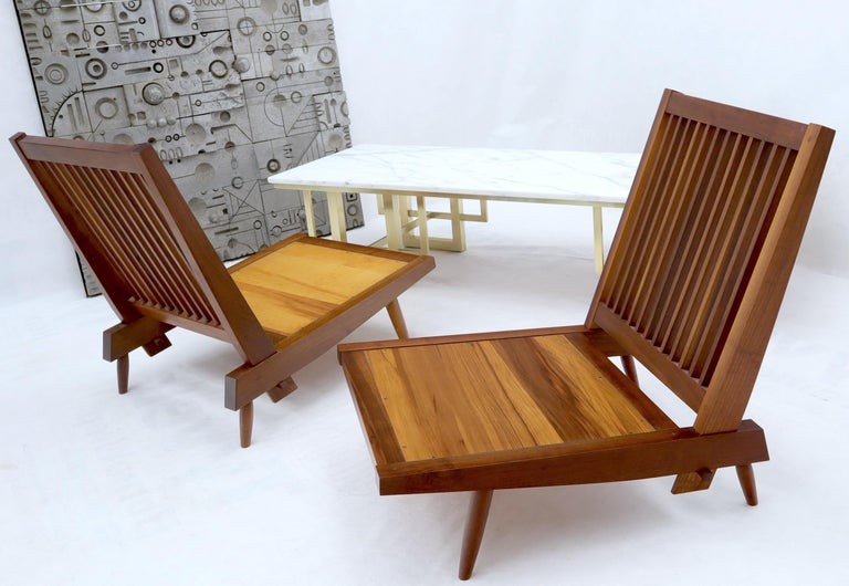 Pair of Walnut Lounge Chairs by George Nakashima For Sale 1