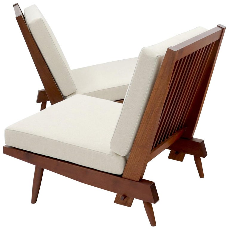 Pair of Walnut Lounge Chairs by George Nakashima For Sale