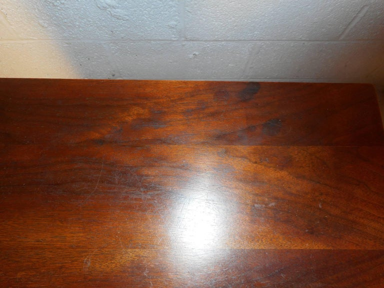 Pair of Walnut Nightstands by American of Martinsville For Sale 3