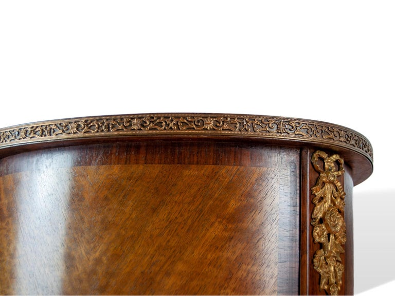 Pair of Walnut Rosewood Cross-Banded Two-Drawer Side Tables, French, circa 1920 For Sale 6