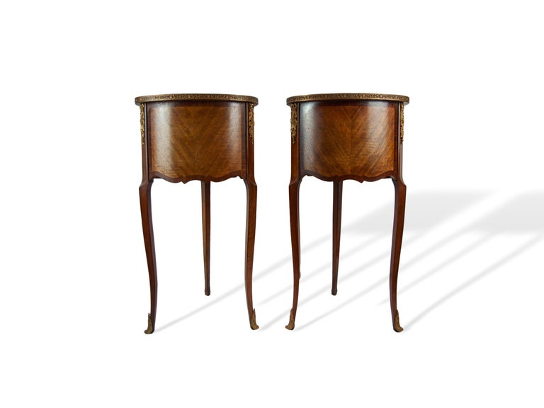 Early 20th Century Pair of Walnut Rosewood Cross-Banded Two-Drawer Side Tables, French, circa 1920 For Sale
