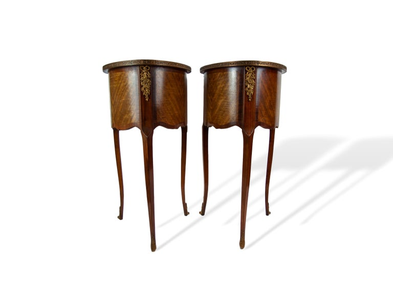 Pair of Walnut Rosewood Cross-Banded Two-Drawer Side Tables, French, circa 1920 For Sale 1