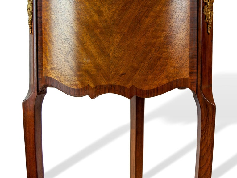 Pair of Walnut Rosewood Cross-Banded Two-Drawer Side Tables, French, circa 1920 For Sale 3