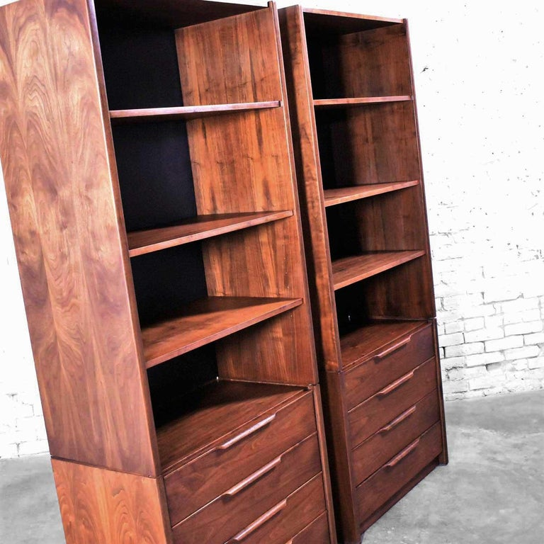 Pair of Walnut Scandinavian Modern Style Bookcase Storage Units by Barzilay Furn For Sale 5