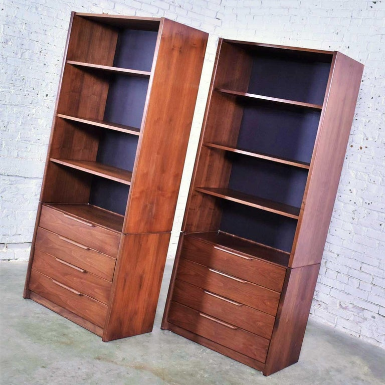 Veneer Pair of Walnut Scandinavian Modern Style Bookcase Storage Units by Barzilay Furn For Sale