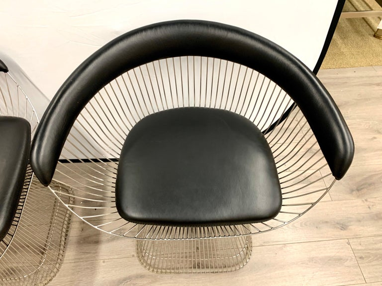 Pair of Warren Platner for Knoll Mid-Century Black Leather and Wire Armchairs For Sale 4