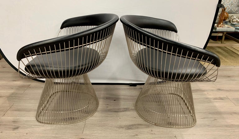 Mid-Century Modern Pair of Warren Platner for Knoll Mid-Century Black Leather and Wire Armchairs For Sale