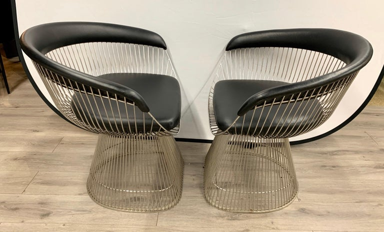 Pair of Warren Platner for Knoll Mid-Century Black Leather and Wire Armchairs For Sale 1