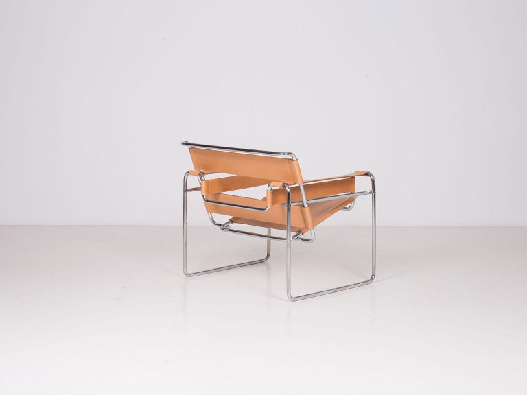 Pair of Wassily Lounge Chairs by Marcel Breuer for Gavina SpA In Excellent Condition For Sale In New York, NY