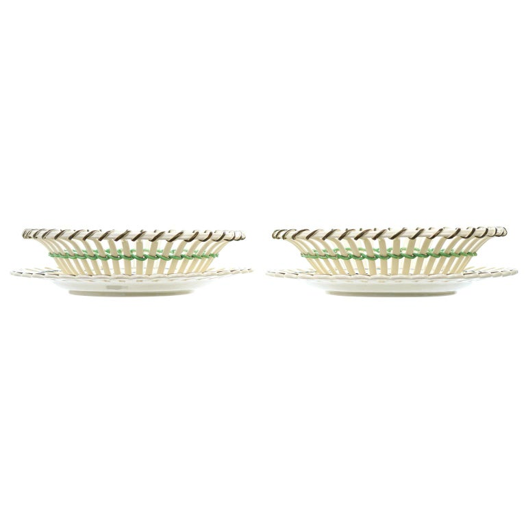 Pair of Wedgwood Creamware Chestnut Baskets and Underplates For Sale 6