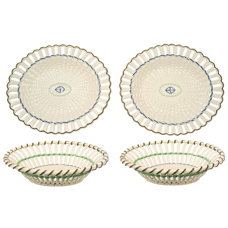 Georgian Pair of Wedgwood Creamware Chestnut Baskets and Underplates For Sale